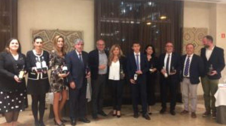 Homenaje a Javier Carmona con cata de Fondillones por la UEC