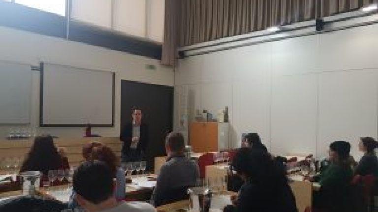 El Máster de Sumiller de la DO Valencia centra su atención en los vinos del Alto Turia, Valentino y Moscatel